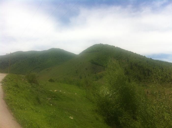 De la Cirnic, spre cabana Pietrele